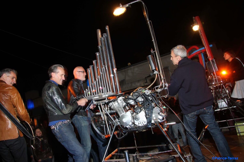 Motorgs : photo de spectacle plein air de nuit