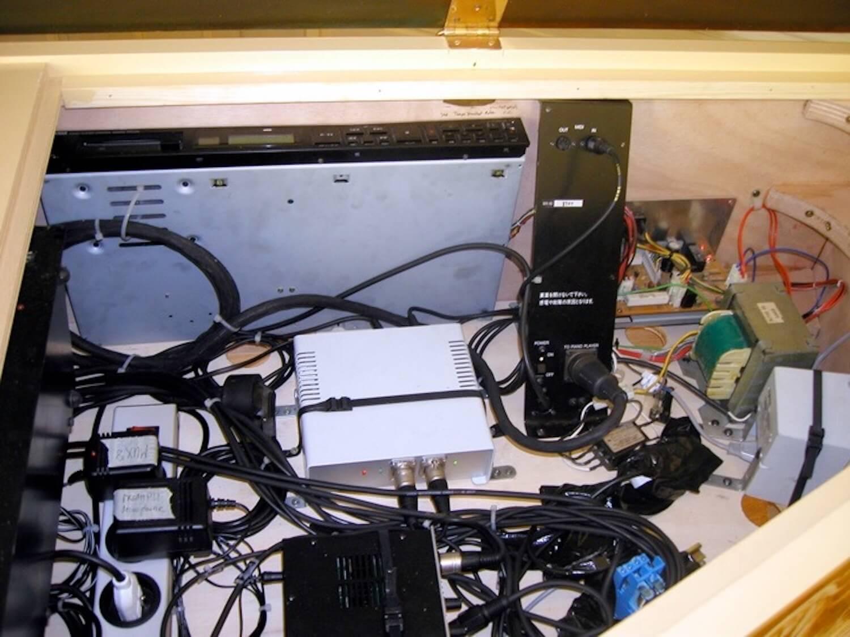 Photographie : appareillage électronique et câblages